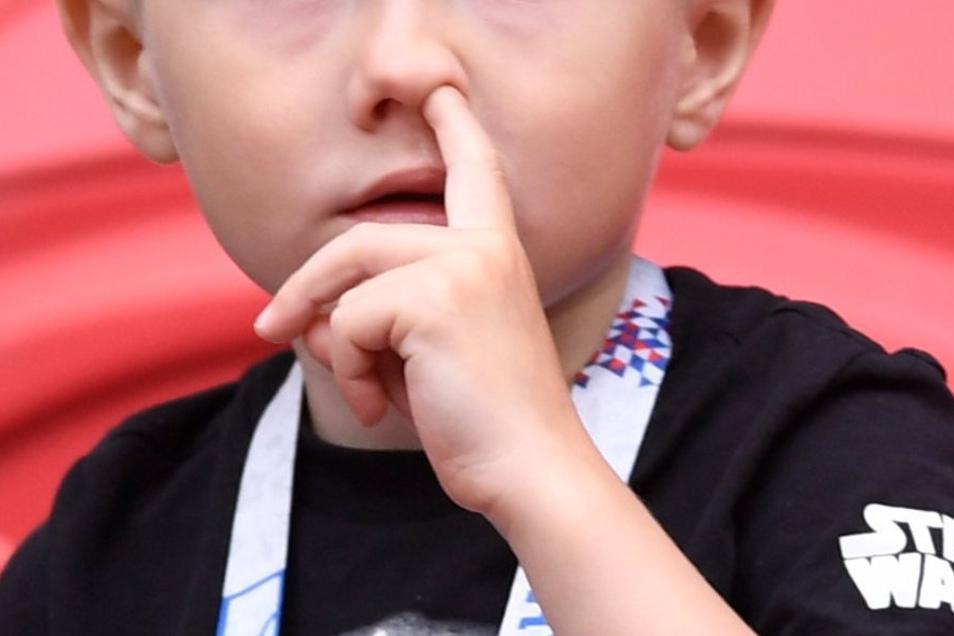 Das machen nicht nur Kinder. Auch Erwachsene bohren hin und wieder in der Nase.