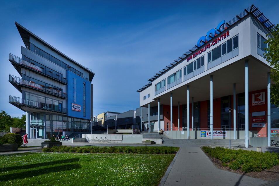 Bei den Überlegungen zur Zukunft des Otto-Dix-Quartiers geht es auch um das Einkaufszentrum.