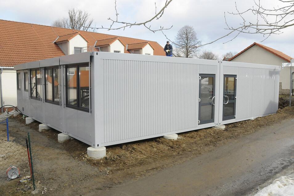 Container als Erweiterung oder Ausweichquartier für Kitakinder sind schon seit Jahren Usus. Hier ein Beispiel aus dem Jahr 2010 aus Polenz bei Pirna. Auch die Kita Spielburg in Streumen soll mit den mobilen Räumen erweitert werden.