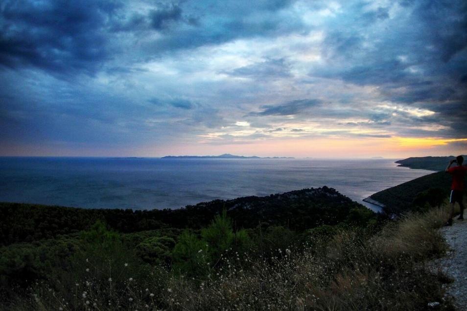 Sonnenuntergang auf der kroatischen Insel Korcula.