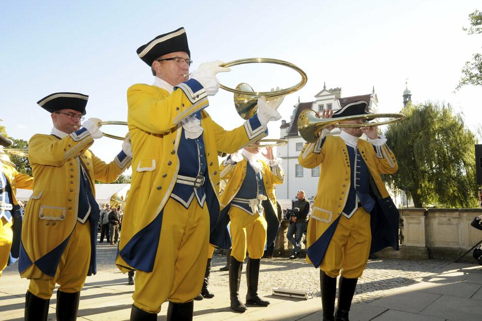 Das Zabeltitzer Hubertusfest - hier die Parforcehornbläser - findet nicht statt, aber das Hoffest am Bauernmuseum und die Palaisweihnacht.