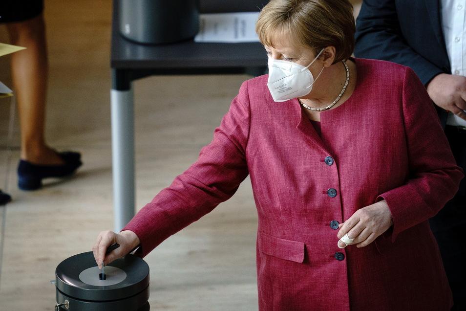 Bundeskanzlerin Angela Merkel (CDU) verteidigte die bundesweite Notbremse.