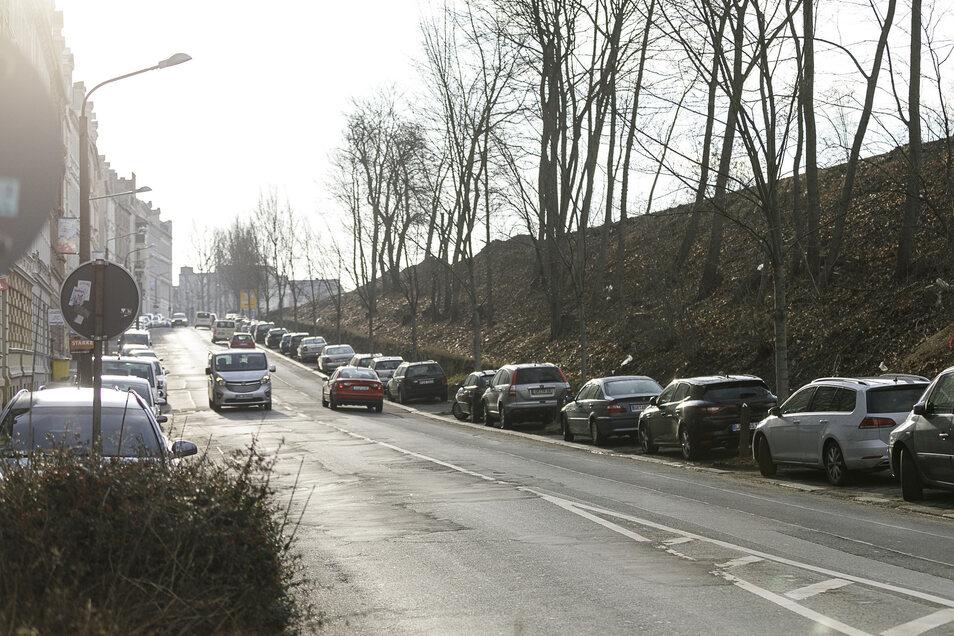 Der untere Teil der Bahnhofstraße soll endlich saniert werden. Neuer Baustart ist nun der 30. März.