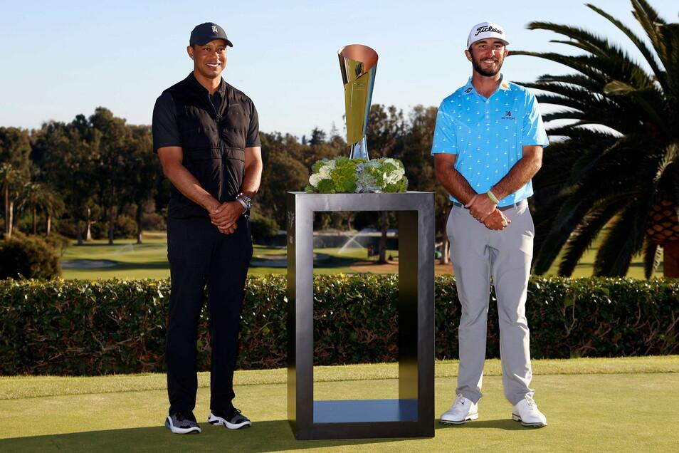 Woods war am Wochenende Gastgeber eines PGA-Turniers in Los Angeles und überreichte dem Sieger Max Homa am Sonntag den Pokal.