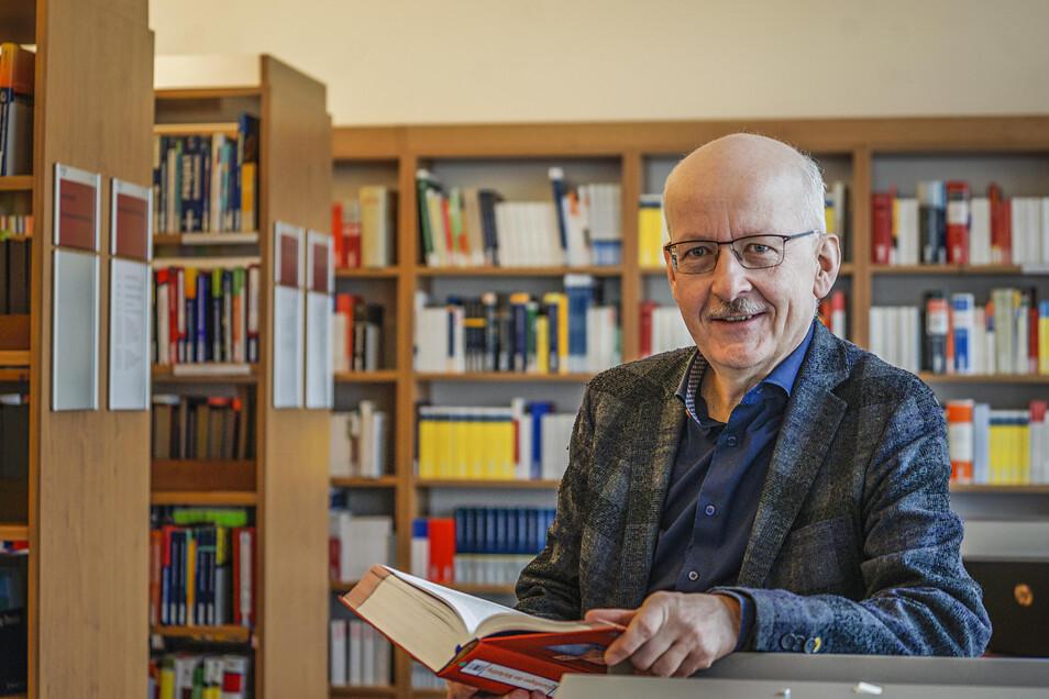 Professor Albrecht Löhr leitet an der Studienakademie Bautzen die Studiengänge Finanzmanagement und Betriebliches Ressourcenmanagement.