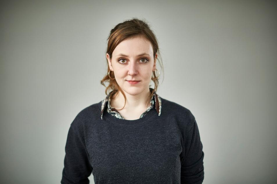 """Valerie Schönian wuchs auf in dem Gefühl, alle Deutschen seien auch innerlich wiedervereinigt. Als Erwachsene merkte sie: Sind wir noch immer nicht. Jetzt schrieb sie ein Buch darüber: """"Ostbewusstsein""""."""