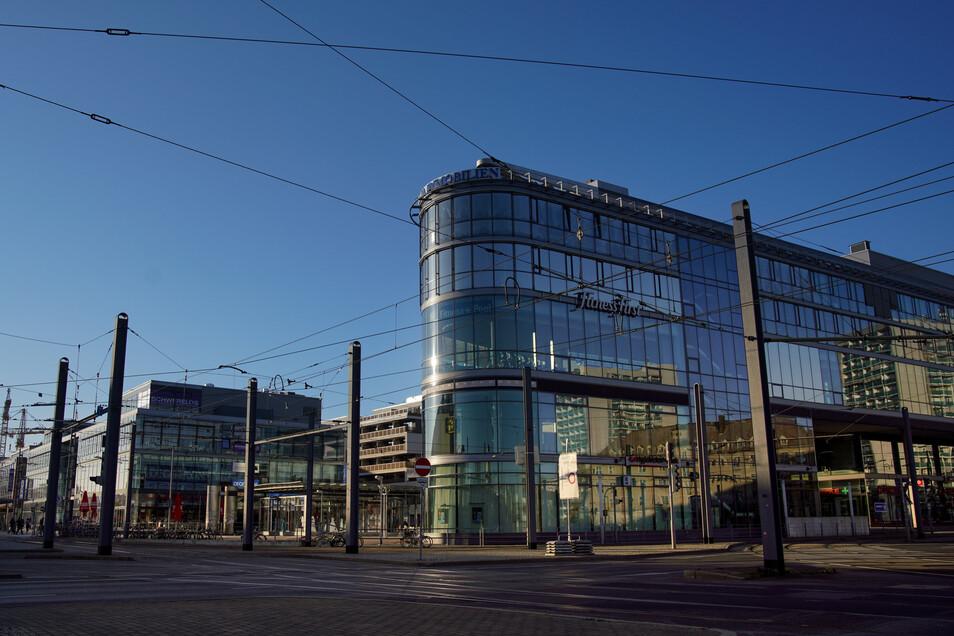Leere Straßen in der Corona-Krise: Eckhaus Prager Spitze am Wiener Platz