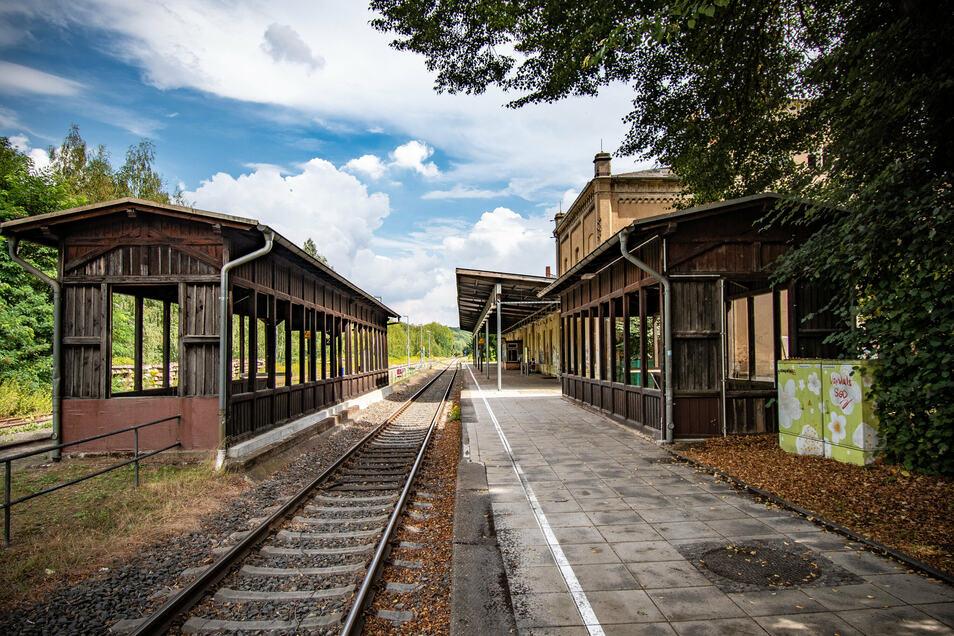 """Der Bahnhof Leisnig soll Geld aus dem Konjunkturpaket """"Corona-Folgen bekämpfen"""" erhalten. Davon profitieren Bahnreisende, künftige Bahnhofsbesucher und Handwerker gleichermaßen."""