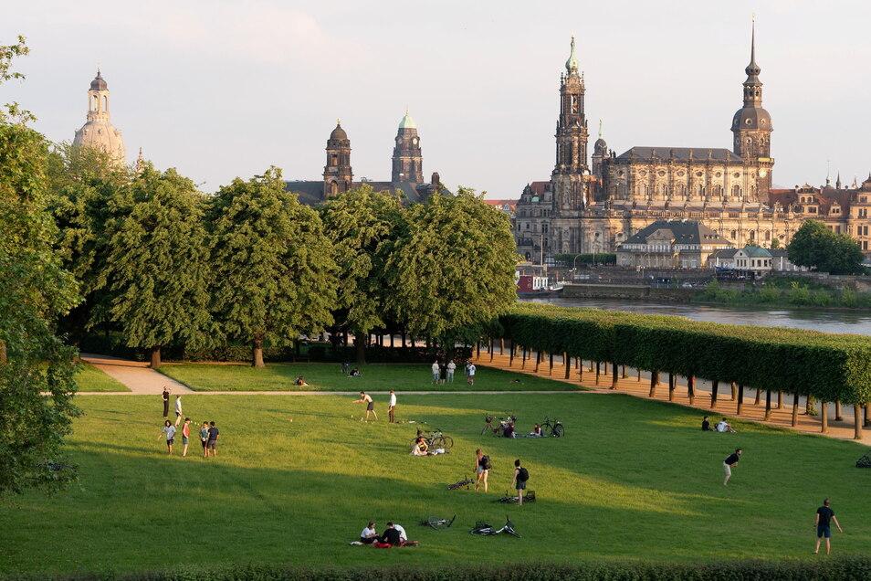 Dresden sucht einen neuen Stadtschreiber oder eine Stadtschreiberin.