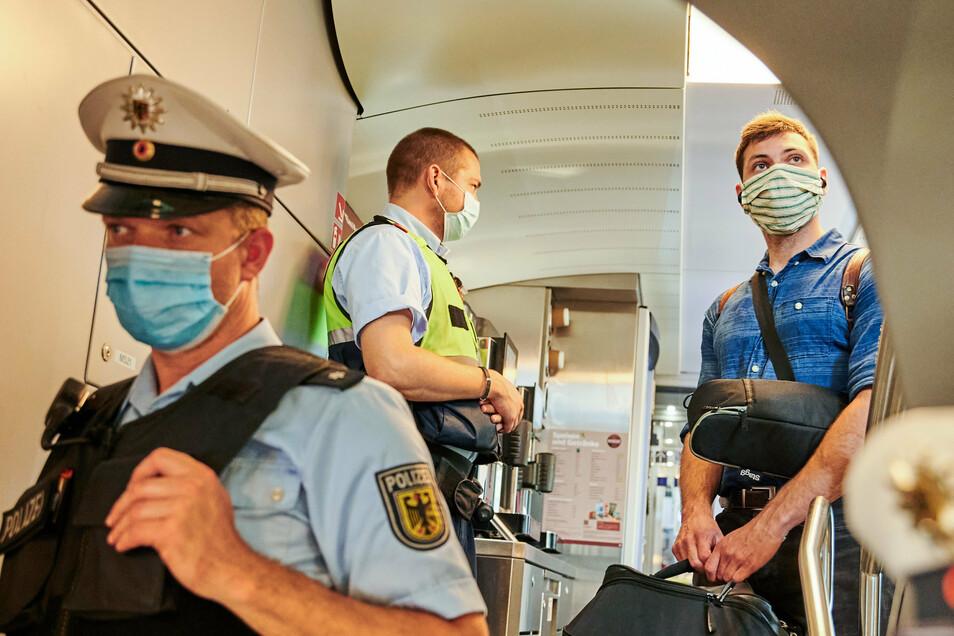 Welche Polizei ist in Zügen für Maskenverweigerer zuständig?