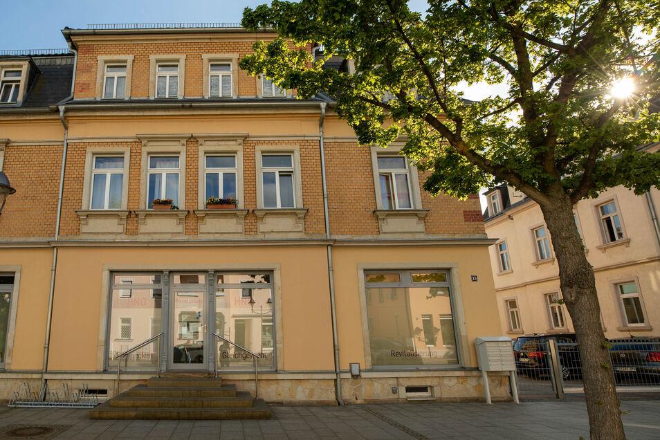Künftig nur noch für Privatpatienten: die HNO-Praxis auf der Heidenauer Thälmannstraße.