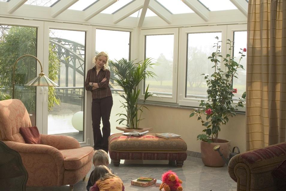 Ein Wintergarten bietet nicht nur mehr Platz zum Wohnen, sondern auch einen schönen Ort zum Wohlfühlen.