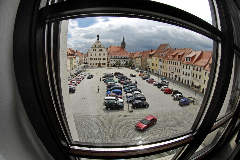 Ein ungewöhnlicher Blick auf den Dippser Markt. Er zeigt einen Teil der denkmalgeschützten Innenstadt. Mit ihr beschäftigt sich das Stadtentwicklungskonzept intensiv.