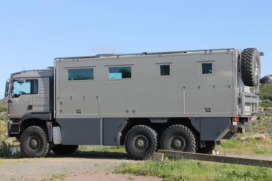 Mit solchen Fahrzeugen ist kein Weg zu weit oder zu beschwerlich, um auf Abenteuerurlaub oder auf Expedition zu gehen.