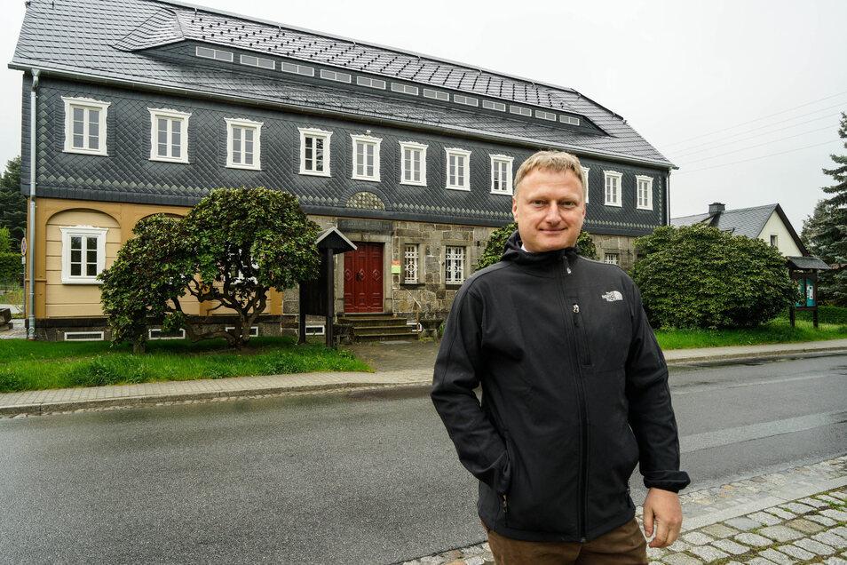 In den vergangenen anderthalb Jahren wurde das ehemalige Taubenheimer Gemeindeamt saniert. Sohlands Bürgermeister Hagen Israel freut sich, dass hier nun wieder Vereine einziehen können.