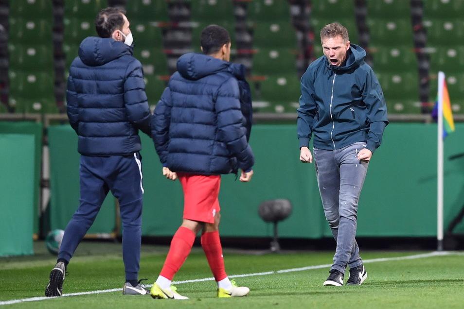 Die Erleichterung bei Julian Nagelsmann ist nach dem 2:1-Sieg in der Verlängerung gegen Werder Bremen groß. Nun steht der scheidende RB-Trainer vor seinem ersten Titel.