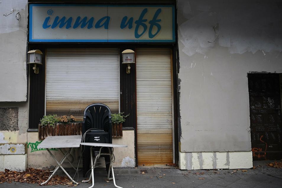"""Die Kneipe mit dem Namen """"imma uff"""" ist jetzt trotzdem geschlossen."""