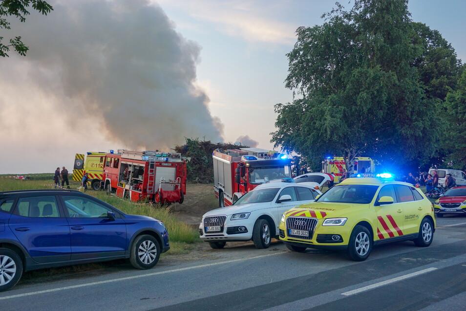 Bei einem Traditionsfeuer wurden am Sonnabend in Steinigtwolmsdorf acht Menschen verletzt. Jetzt läuft die Aufarbeitung des Vorfalls.