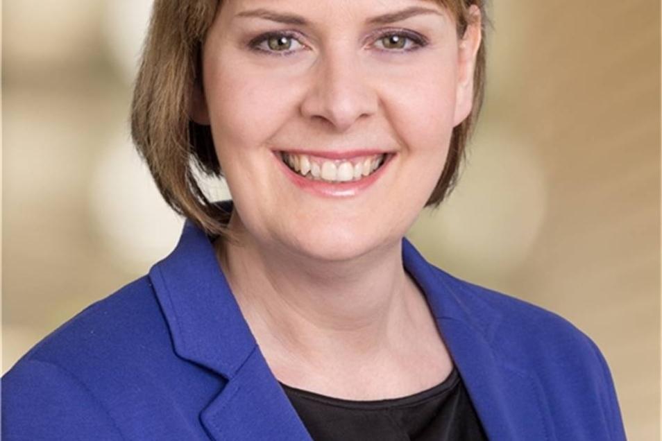 Aline Fiedler  Die 41-Jährige hat in Dresden Geschichte, Recht und Soziologie studiert. Sie ist seit 2009 Landtagsabgeordnete für die CDU.