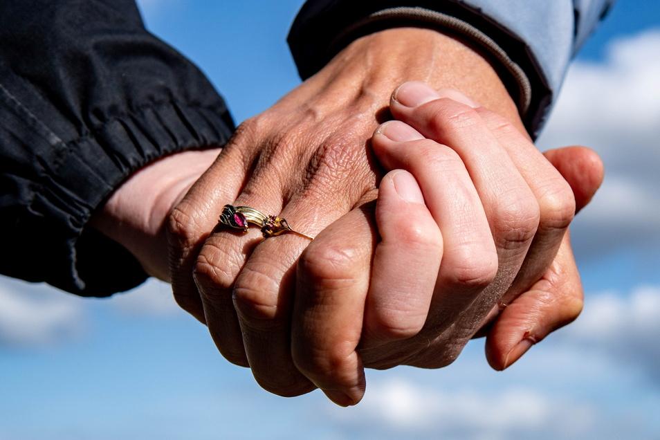 Gleichklang hält Partnervermittlerin Simone Klebe für aussichtsreicher, als anziehende Unterschiede - zumindest, wenn eine Liebe lange halten soll.