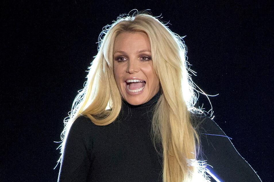 Popsängerin Britney Spears soll systematisch überwacht worden sein.