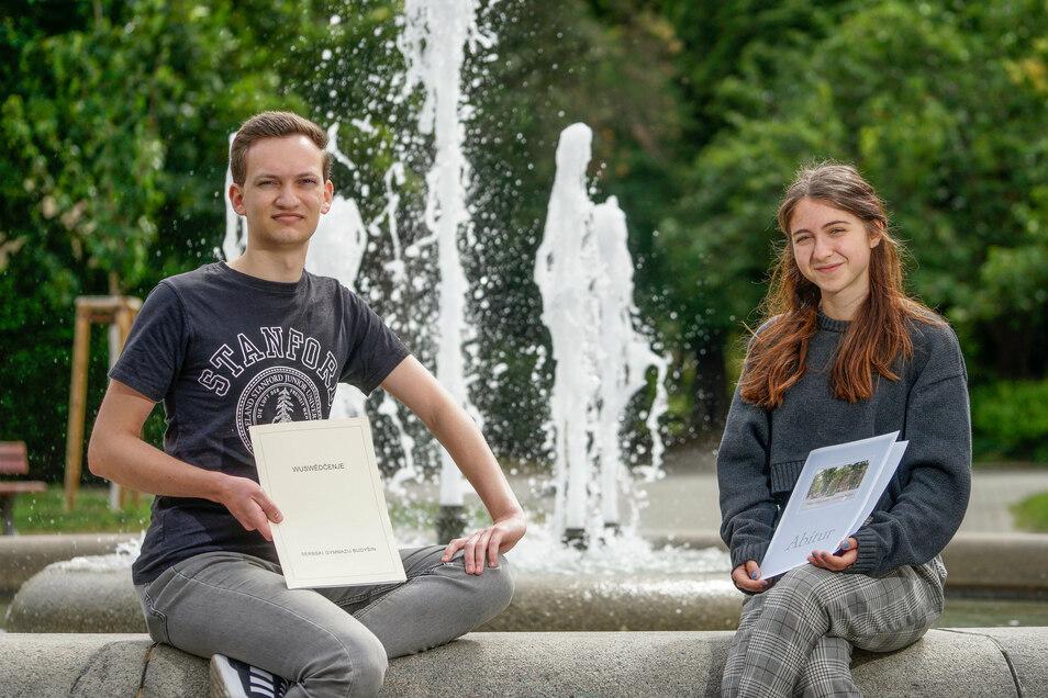 David Mark aus Räckelwitz und Anna Sarodnik aus Bautzen haben ihr Abitur mit 1,0 gemacht. Das hatten sie so nicht geplant, aber dafür, was als Nächstes kommt, haben beide einen konkreten Plan.