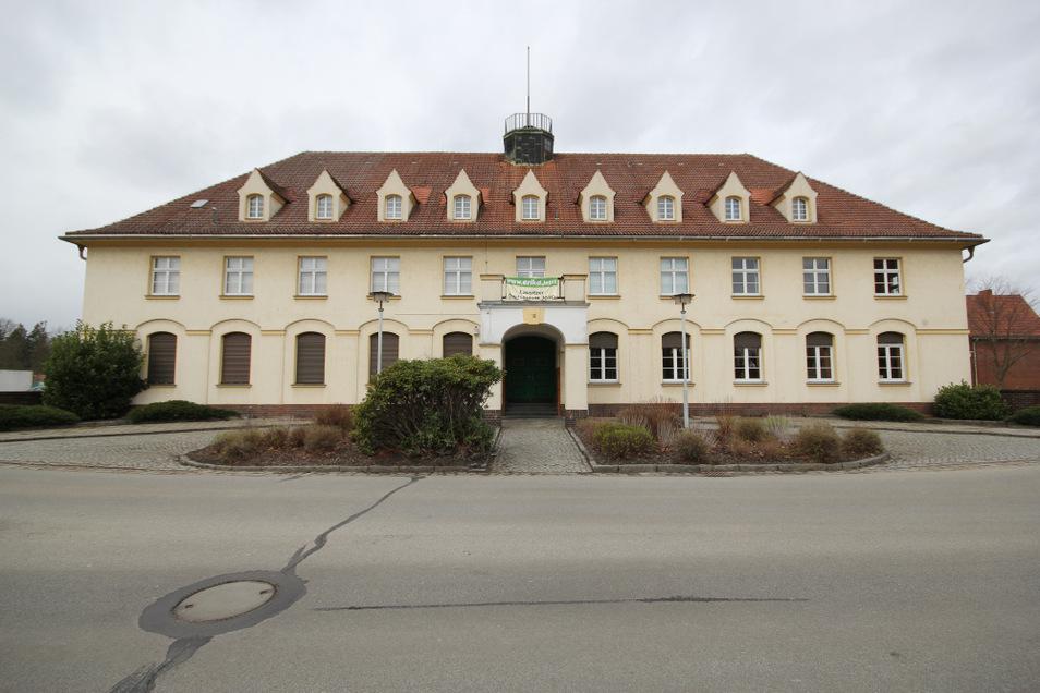 Gänzlich aus der Hand geben möchte die Stadt Lauta das Laubuscher Kulturhaus nicht, allerdings werden Mitnutzer gesucht. Der Heimatverein mit seinen Sparten und der Ortschaftsrat von Laubusch haben bereits ihr Domizil im Haus.