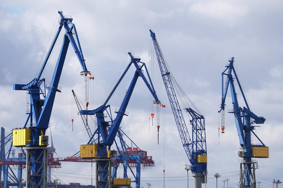 Führende Wirtschaftsforschungsinstitute haben am Donnerstag eine neue Konjunkturprognose vorgelegt.
