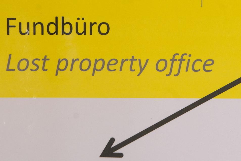 In den Fundbüros im Landkreis Bautzen wurden im vergangenen Jahr neben üblichen Dingen wie Fahrrädern und Uhren auch einige Kuriositäten abgegeben.