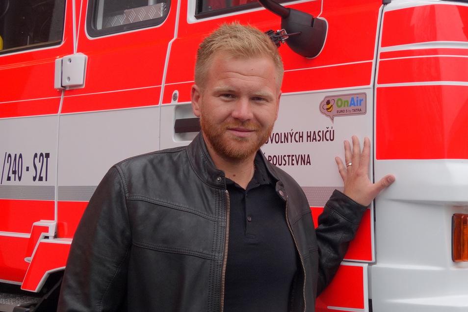 Bürgermeister Robert Holec. Um den Mundschutz für die Einwohner von Dolní Poustevna kümmert er sich selbst.