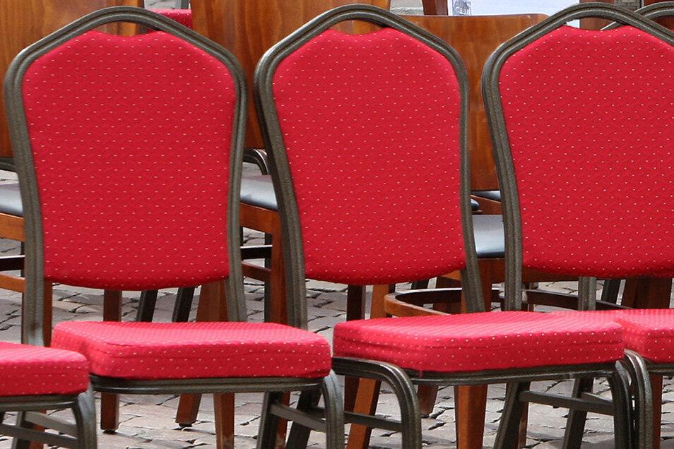 Drei Stühle bleiben künftig im Gottleubaer Stadtrat leer.
