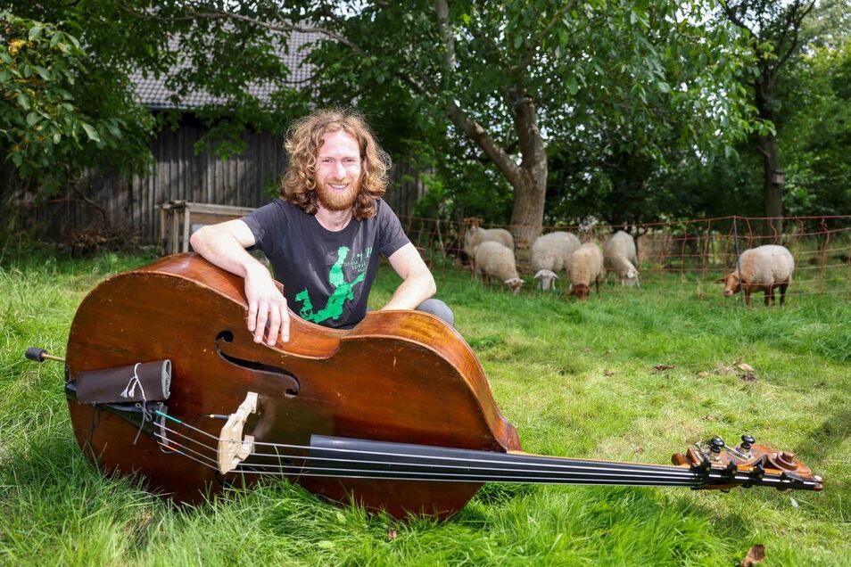 Musiker Jakob Petzl möchte kleine Konzerte zum Zuhören und Mitmachen an nichtalltäglichen Orten anbieten.
