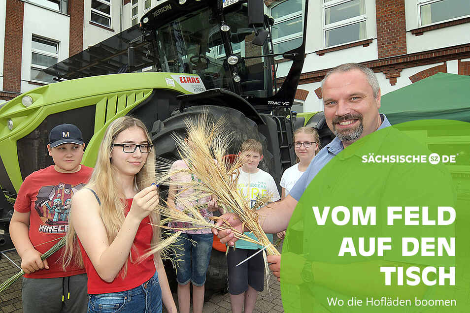 01.07.2019 , Foto: Dietmar Thomas ,  Oberschule Leisnig , Berufsmesse , Torsten Krawczyk GbR Landgut Westewitz erklärt die Getreidesorten Foto: