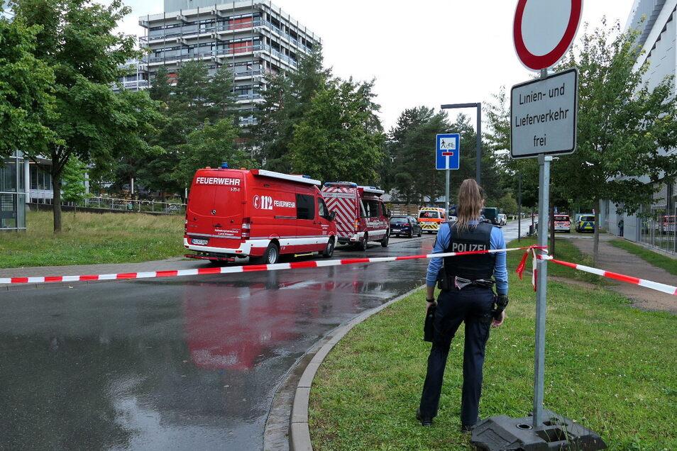 Sieben Menschen an der Technischen Universität Darmstadt haben am Montag möglicherweise durch Lebensmittel schwere gesundheitliche Probleme bis hin zu Vergiftungserscheinungen erlitten.