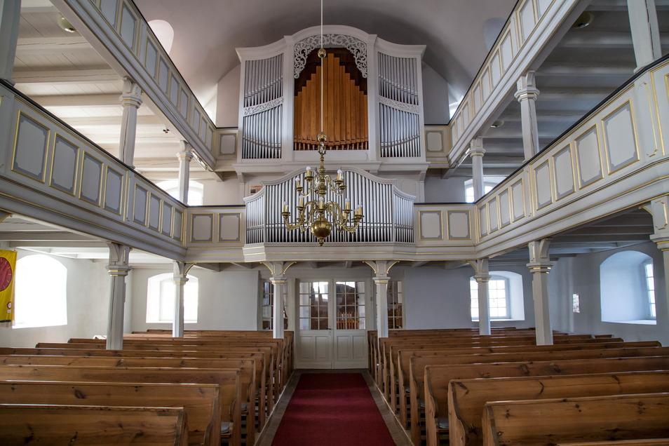 Ende der 1990er Jahre wurde das Innere der Klittener Kirche umfangreich saniert. Die originale Orgel wurde durch den Brand 1945 zerstört. Die heutige Orgel ist 1950 von der Orgelbaufirma A. Schuster & Sohn aus Zittau gebaut worden.