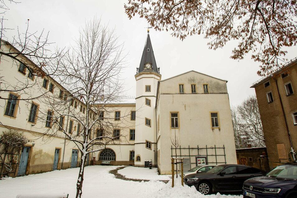 Das Schloss Nöthnitz in Bannewitz im Winterschlaf. In diesem Jahr stehen weiter Sanierungsarbeiten an.