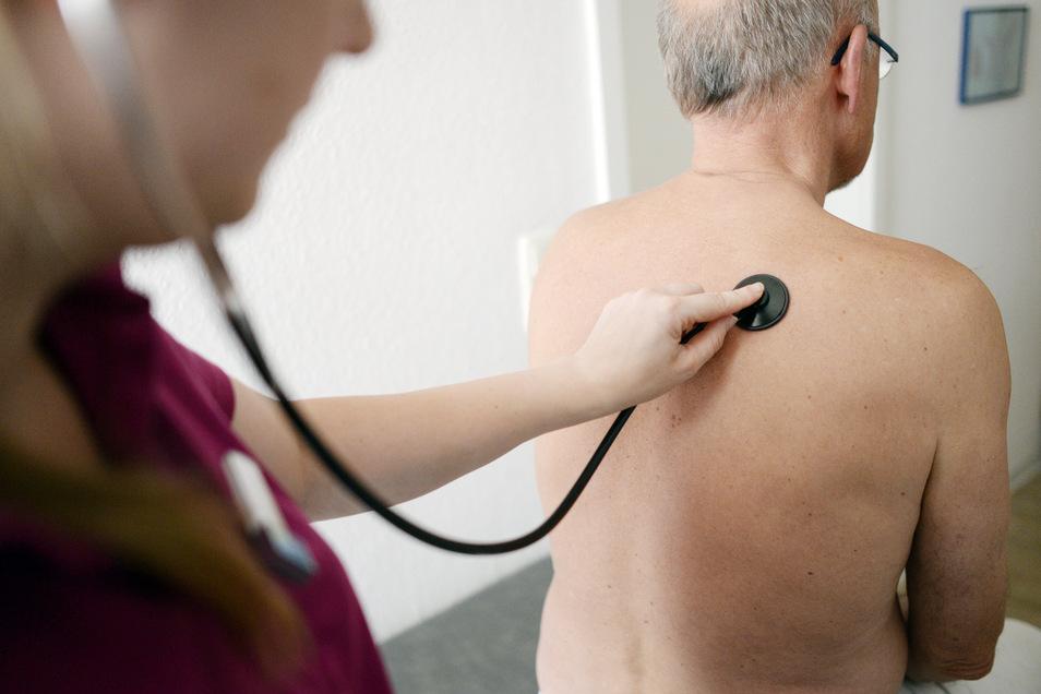 In manchen Regionen gibt es sie bereits, in anderen wird noch über sie nachgedacht: Medizinische Gesundheitszentren sollen helfen, dem Ärztemangel im ländlichen Raum zu begegnen.