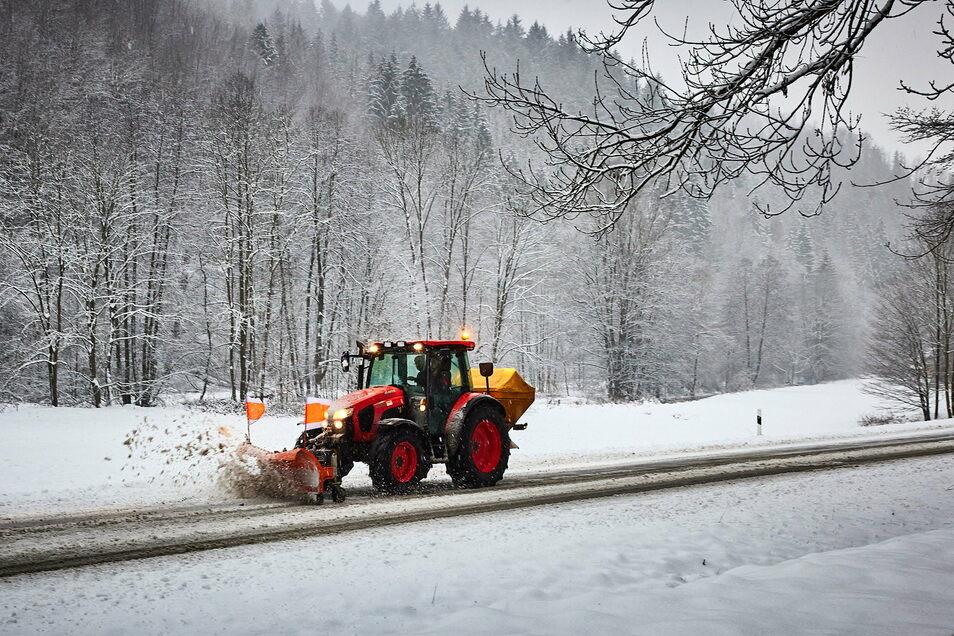 Ein Traktor dieser Größenordnung soll demnächst in der Gemeinde Kreischa eingesetzt werden.