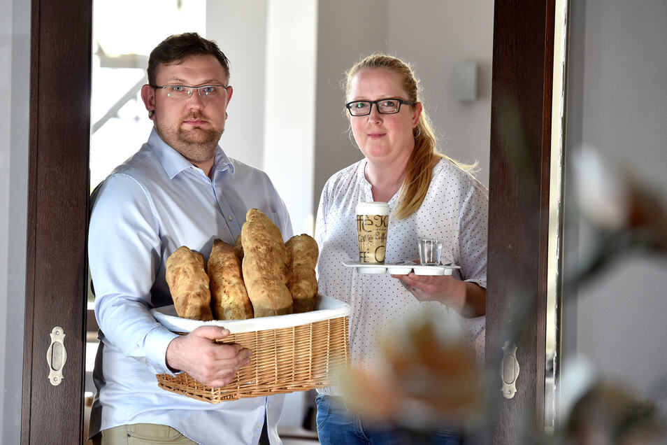 """Christian Apelt und Manuela Goltz eröffnen das Restaurant """"Crisela"""" in Neugersdorf."""