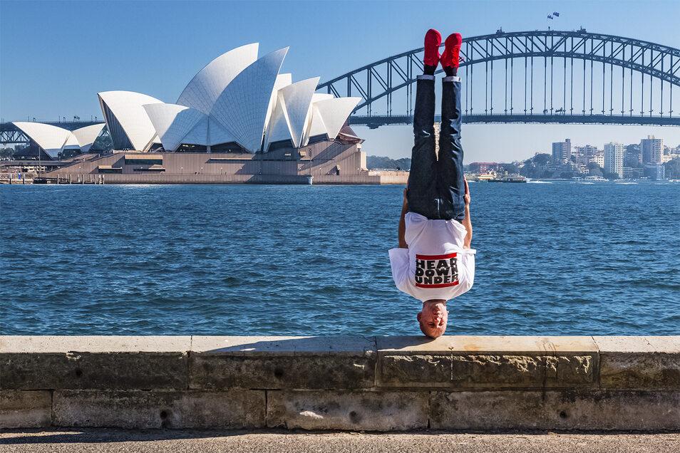Sydney Opera House Head Freeze!