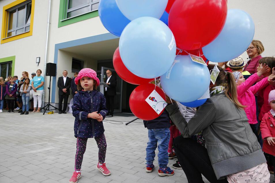 Zur Kita-Eröffnung am Donnerstag stiegen Luftballons in den Himmel.