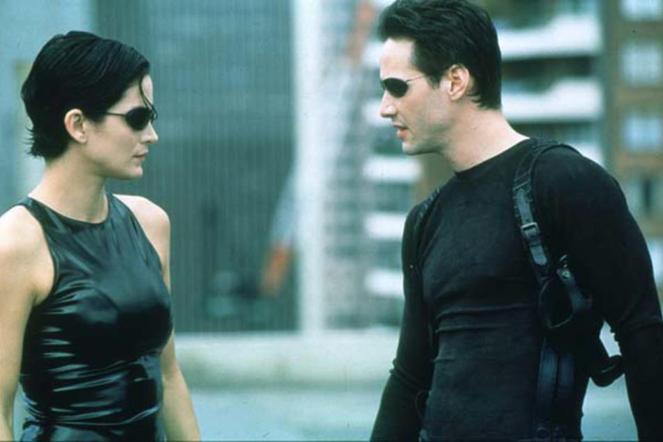 Carrie-Anne Moss und Keanu Reeves im ersten Matrix-Teil.
