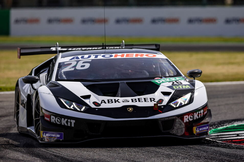 Esmee Hawkey vom Dresdner Team T3 konnte in ihrem Lamborghini Huracan noch nicht im Spitzenfeld angreifen - ihr Kollege immerhin in den Top10.