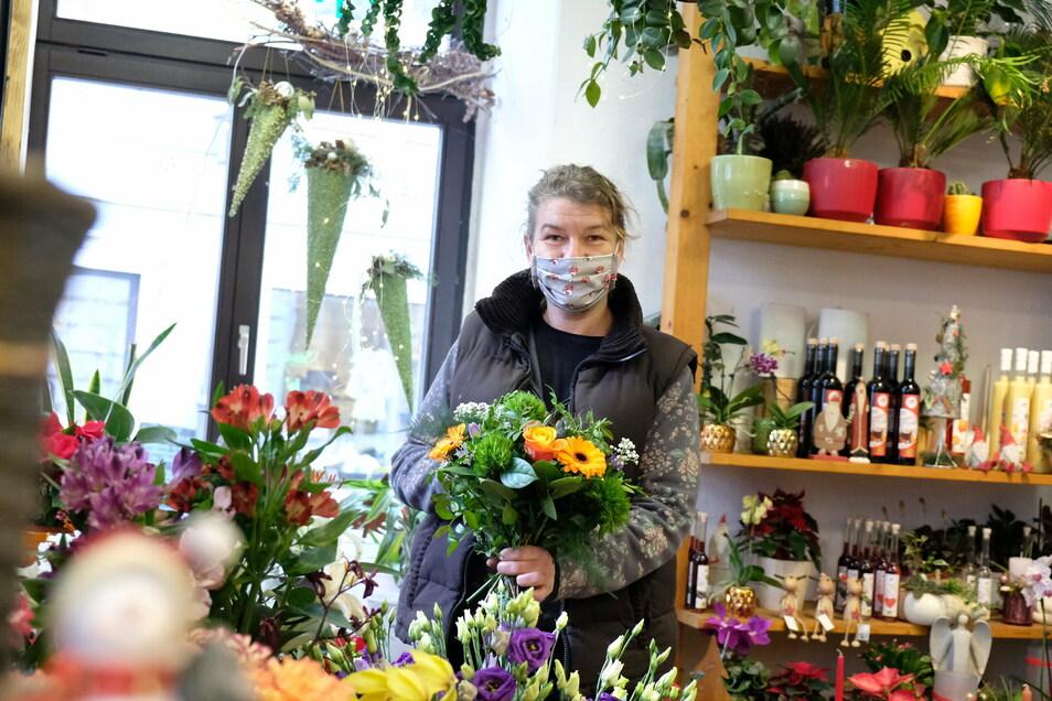 Anke Wenke arbeitet seit 17 Jahren in ihrem Blumenladen.