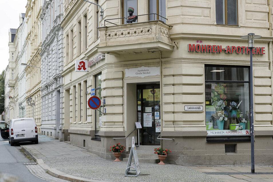 Bis heute ist die Mohren-Apotheke auf dem Görlitzer Lutherplatz in der Innenstadt West geöffnet. Mohren-Apotheken gibt es in Görlitz seit 130 Jahren.