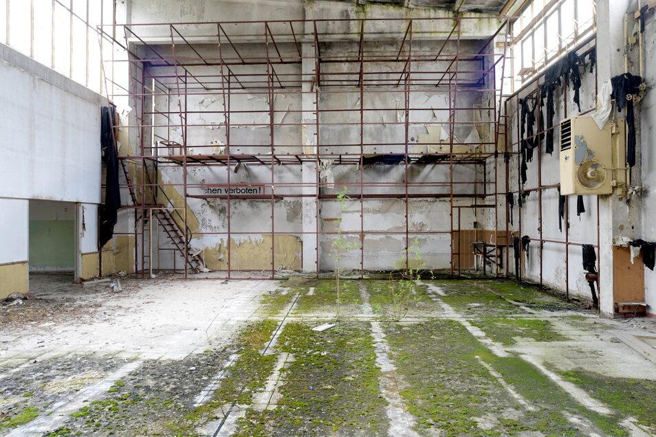 Hier ging es um Größeres: In den Hallen wurden offenbar auch Maschinen gewartet und Soldaten dafür ausgebildet.