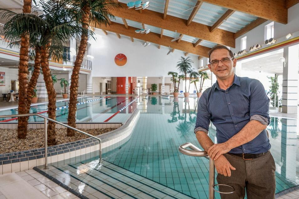 Bis zur Sanierung, die ab dem Jahr 2023 geplant ist, wird die Kirschauer Körse-Therme ab Anfang Oktober wieder regulär öffnen. Das hatte Verbandsvorsitzender Sven Gabriel bereits im Juni verkündet.