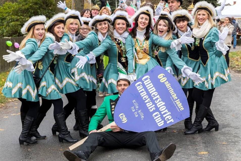In Türkis präsentierte sich der Cunnersdorfer Carnevals Club.Marko Förster
