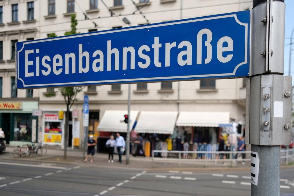 Seit dem Jahr 2018 gelten in der Leipziger Eisenbahnstraße Regeln der Waffenverbotszone.