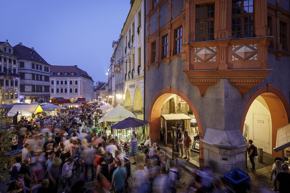 Viele Gäste genossen das diesjährige Altstadtfest - manch einer ist extra für die fröhlichen Tage in die Stadt gekommen.